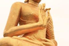 La estatua de oro de Buda de la derecha de la mano del primer de la pierna del lugar en blanco es Fotos de archivo