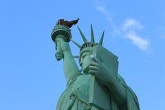 La estatua del cierre de la libertad para arriba, América, símbolo americano Fotografía de archivo libre de regalías