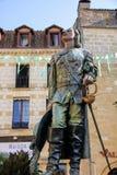 La estatua del cyrano en Bergerac fotos de archivo