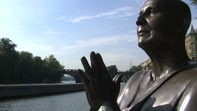 La estatua del tiro de la diapositiva de la armonía, Praga metrajes