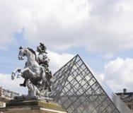 La estatua ecuestre Imagenes de archivo