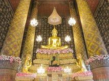 La estatua famosa de Buda en el templo de Hongratanaram Imagenes de archivo