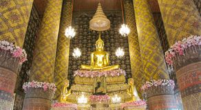 La estatua famosa de Buda en el templo de Hongratanaram Imágenes de archivo libres de regalías