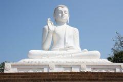 La estatua gigante Mihintale Sri Lanka de Buda Fotografía de archivo