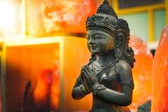La estatua india femenina ruega lakshmi de la diosa de dios Imágenes de archivo libres de regalías