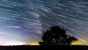 La estrella larga de la vía láctea arrastra 4k metrajes
