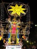 La estructura colorida del fuego artificial llamó Castle o Castillo, Corpus Christi, Ecuador fotografía de archivo