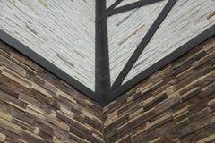 La estructura de la esquina de la casa Textura - façade artificial de la piedra decorativa textura áspera del fondo de la pared  Foto de archivo libre de regalías