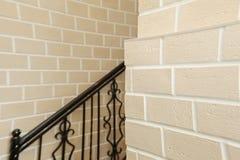 La estructura de la esquina de la casa Textura - façade artificial de la piedra decorativa textura áspera del fondo de la pared  Foto de archivo