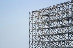 La estructura del marco de acero es vieja para el fondo Fotos de archivo libres de regalías
