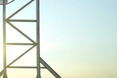La estructura del marco de acero es vieja para el fondo Fotografía de archivo