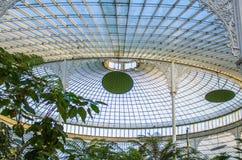 La estructura del techo adentro trituró el palacio imágenes de archivo libres de regalías