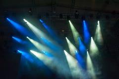 La etapa enciende el equipo en el concierto Imagen de archivo libre de regalías