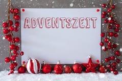 La etiqueta, copos de nieve, bolas de la Navidad, Adventszeit significa a Advent Season Imagenes de archivo