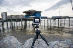 La exhibición de la cámara que muestra en visor la choza del pescador Fotos de archivo
