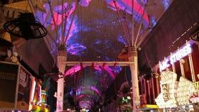 La experiencia de la calle de Fremont en Las Vegas, los E.E.U.U., 2017 almacen de metraje de vídeo