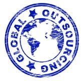 La externalización global representa el contratista independiente y trabaja independientemente libre illustration