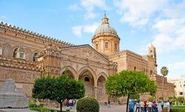 La façade de la cathédrale de Palerme Photo libre de droits
