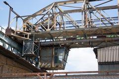 La fabbrica molto vecchia del metallo Immagini Stock Libere da Diritti