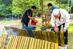 La fabrication de la nourriture malaise traditionnelle, Photos libres de droits