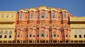 La facciata del palazzo del vento a Jaipur, India fotografia stock libera da diritti