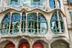 La facciata della casa Battlo a Barcellona, Spagna immagini stock