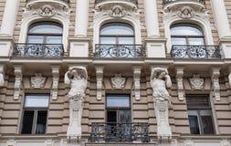 La facciata della costruzione, Riga, Lettonia Questa costruzione è un esempio di stile architettonico di Art Nouveau Fotografia Stock