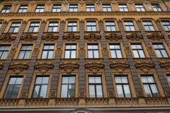 La facciata della costruzione, Riga, Lettonia Questa costruzione è un esempio di stile architettonico di Art Nouveau Fotografia Stock Libera da Diritti