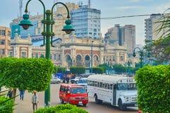 La facciata della stazione ferroviaria di Misr, Alessandria d'Egitto, Egitto Fotografia Stock Libera da Diritti