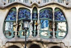 La facciata delle case Battlo della casa Fotografia Stock