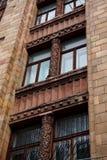 La facciata di una costruzione di mattone rosso alta Immagini Stock Libere da Diritti