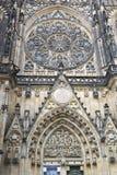 La facciata esteriore della cattedrale della st Vitus a Praga Fotografie Stock Libere da Diritti