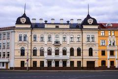 La fachada de la casa vieja Un monumento característico del archit Imagenes de archivo