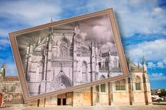 La fachada de la catedral de Batalha en Portugal y x28; Europe& x29; - Postal Fotos de archivo libres de regalías