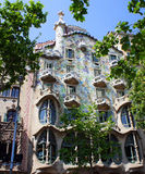 La fachada de las casas Battlo, Barcelona de la casa Foto de archivo libre de regalías