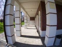 La fachada del edificio de la ciudad Imágenes de archivo libres de regalías
