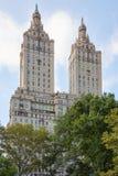 La fachada del edificio de San Remo cerca del Central Park en Nueva York Imagen de archivo libre de regalías