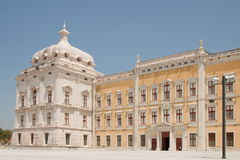 La fachada - palacio nacional de Mafra Imagen de archivo