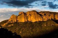 La falaise rouge du temple de Langmu Photographie stock