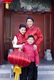 La famiglia celebra il nuovo anno cinese Immagini Stock