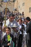 La famiglia ebrea prega Immagini Stock Libere da Diritti
