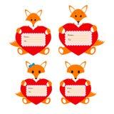 La famiglia foxes con i cuori su un fondo bianco Fotografia Stock Libera da Diritti