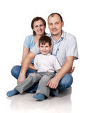 La famiglia, isolata su bianco fotografie stock