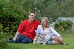 La familia feliz Imágenes de archivo libres de regalías