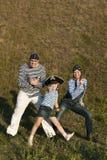 Familia feliz del pirata foto de archivo