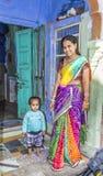 La familia india presenta orgulloso Fotos de archivo