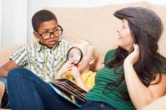 La familia se relaja Fotografía de archivo libre de regalías