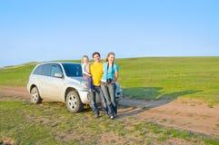 La familia viaja en coche Imagenes de archivo