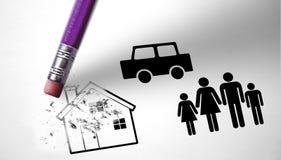 La famille perd leur maison en raison du chômage et du Cr économique photos libres de droits