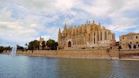 La famosa Seu della cattedrale in Palma de Mallorca, Spagna fotografia stock libera da diritti